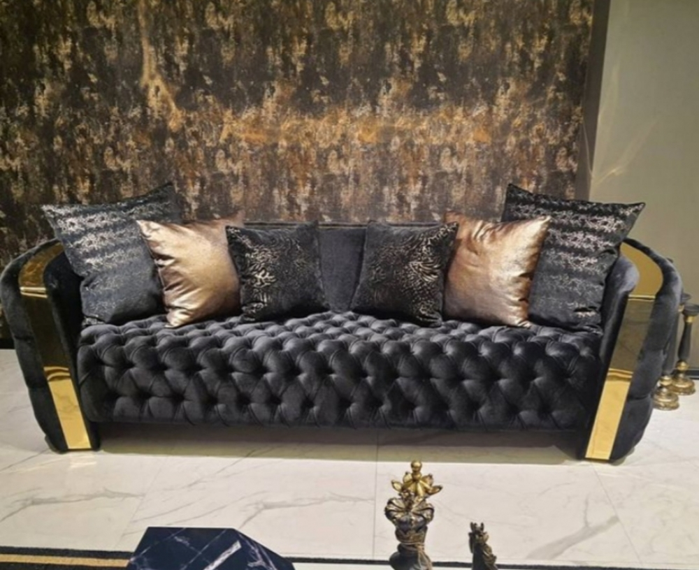 Luxury Chester sofa with brass work