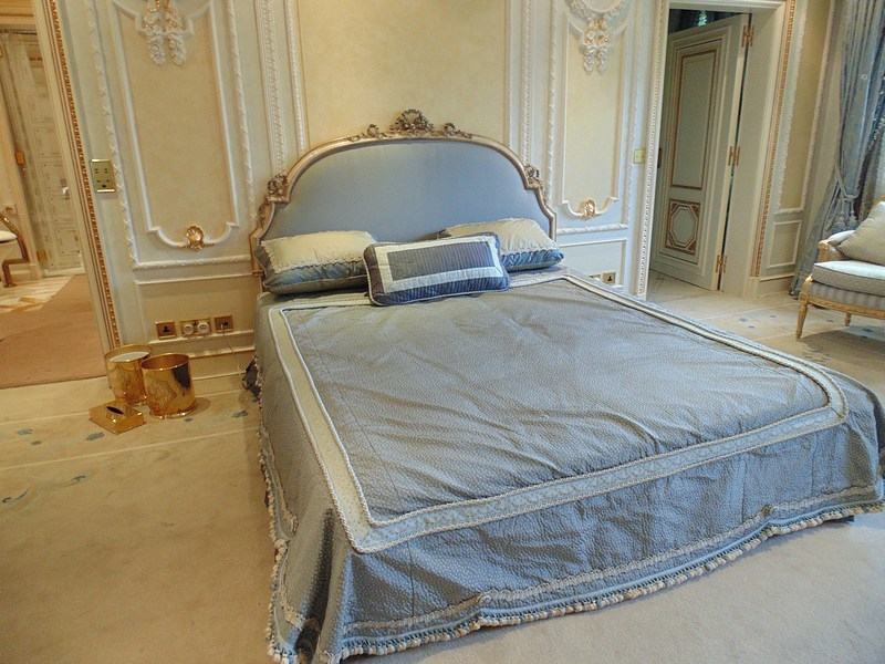 Classic Style wooden Bed