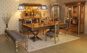 Ultra luxury dining table with antique polish Manufacturers in Delhi